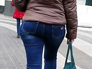 MILF with good ass and hips