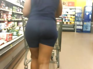 Amazing Phat Jiggly Ass in Spandex Shorts
