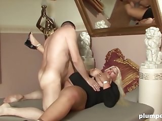 Nasty blonde BBW milf gets a deep fucking on PLUMPERD.com
