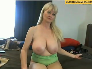 Blonde mature goes all crazy on webcam