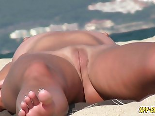 Shaved PUSSY Close Up Voyeur Beach NUDIST Amateurs