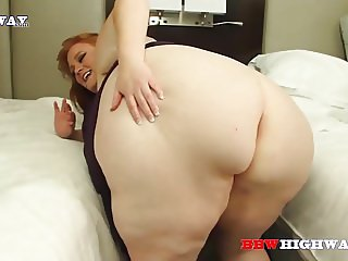 ssbbw interracial 3some with Julie Ginger