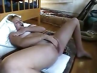 Horny young mom I'd love to fuck - MILF