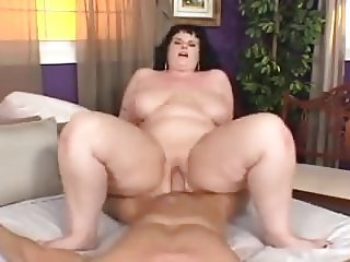 BBW with beautiful curves gets fucked