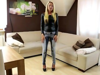 Daynia - Premiere - Mein 1. Jeans-Piss