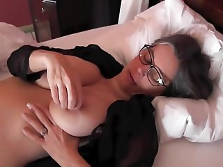 Busty Tina - Hotel bed