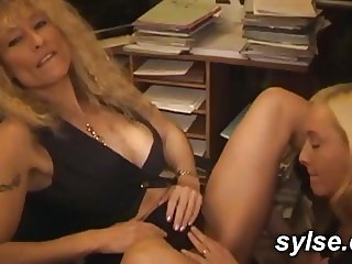 2 lesbians secretaries fuck in office then with strapon
