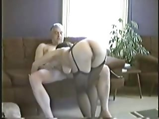 European dad fuck chinese prostitute bareback during holiday