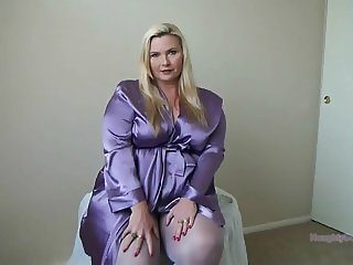 Beautiful PAWG in Nylons