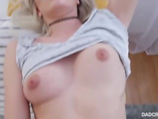 StepDad Fucks Slutty Daughter (HUUU)