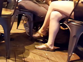Teens hot legs, big feets and sexy long toes