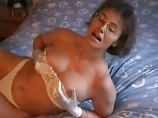 FRENCH milf strip and masturbe solo
