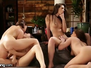 Lesbian Sorority-Sisters Eat Out with the Pizza Delivery Girl