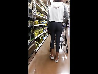 Candid nice ass ebony college girl in leggings
