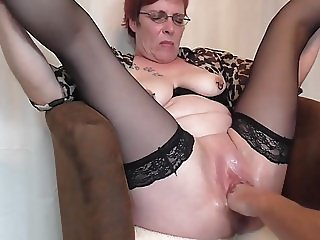 Mature squirting fisting orgasms