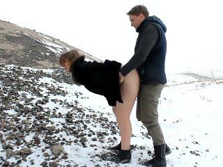 Girl gets fucked in the cold