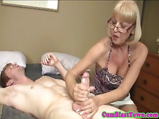 Mature spex wanker facialized with huge load