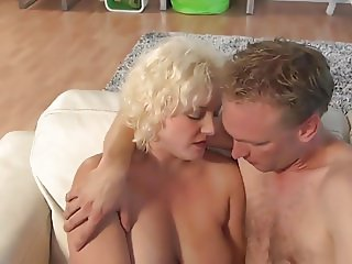 Mature blonde likes suck and good sex