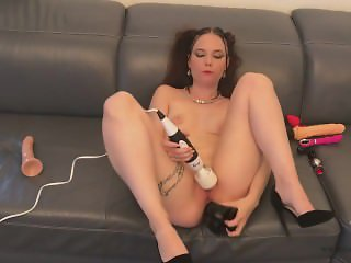 30 - Cathy Crown in anal penetration with her big black toy