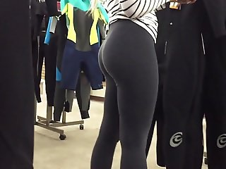 latin college ass in yoga pants leggings blonde
