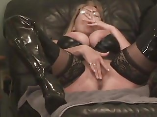 Smoking Domina - humiliation narration + double squirt