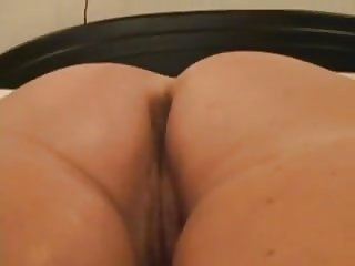 Mature Ass Shaking And Hairy Pussy