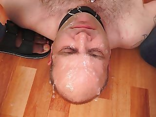 Sucks cock of lover spits on cuckold