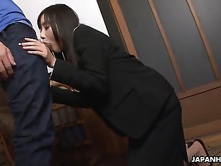 Cute insurance agent ends up sucking a stiff meat rocket