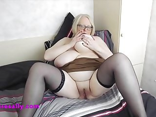 Mature Sallys well used pussy