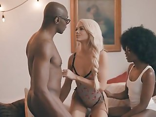 Elsa Jean, Ana Foxxx & Sean Michaels For A Threesome