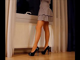 dance in pantyhose and pumps