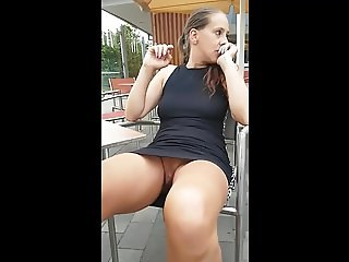 Spreading Legs in Public no Panties ( Siri Noge Bez Gacica )
