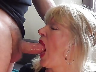 Piss and blowjob from mature