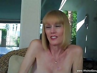 Granny Gives Blowjob In The Pool