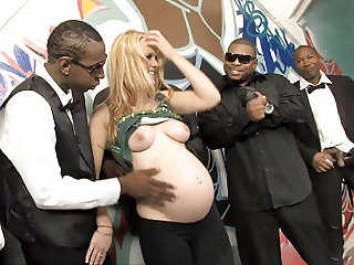 Pregnant Hydii May BBC Interracial Gangbang