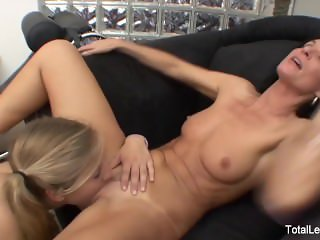 Pigtailed blonde fucks her therapist