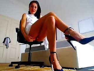 cam girl with great legs