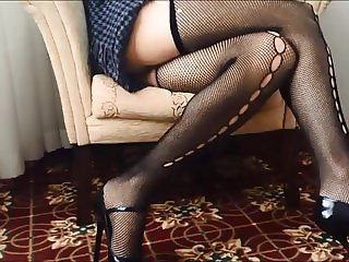 Sexy High Heels Mom Spy Upskirt