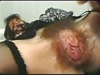 femme excitee chatte poilue horny hairy pussy 2
