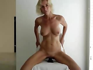 top milf with dildo