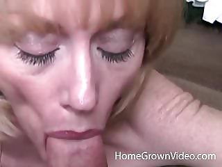 Mature blonde in her first homemade porn