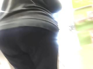Huge ass Gilf tease