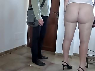 Flashing in pantyhose delivery guy (Elena) First time.
