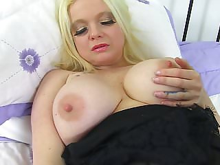 British mature mom with big tits and hungry pussy