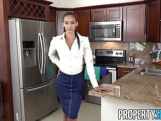 PropertySex - Guy fucks insane hot real estate agent