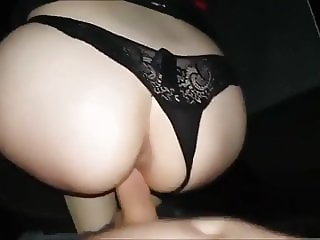 Amateur fucking in the car