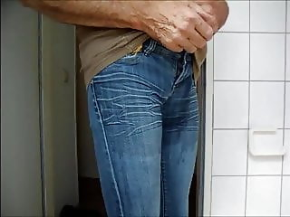 fart and pee in my jeans