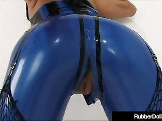 Latex Hottie Raven Black Shoves Face In RubberDoll's Cunt!