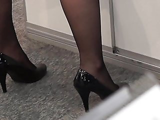 Candid legs in expo