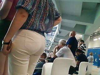 Juicy big butt milfs in tight white pants 2